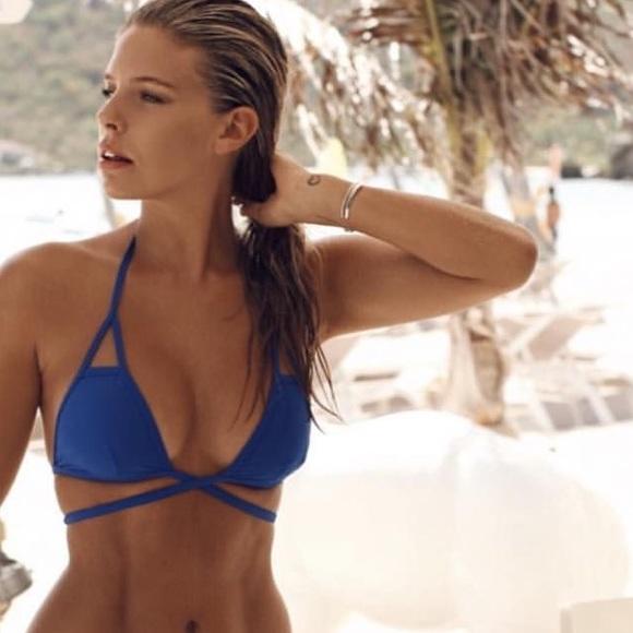 4ba853d3995a1 Vitamin A Serra Keyhole Wrap Bikini Top NWOT Blue.  M_5afb275c3afbbd0121368385